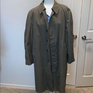 London Fog fur lined trench coat 42 regular olive